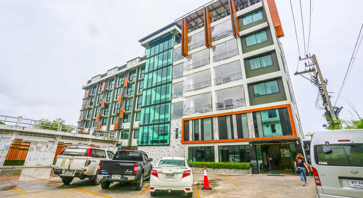 iZen Pure Budget Hotel & Residences